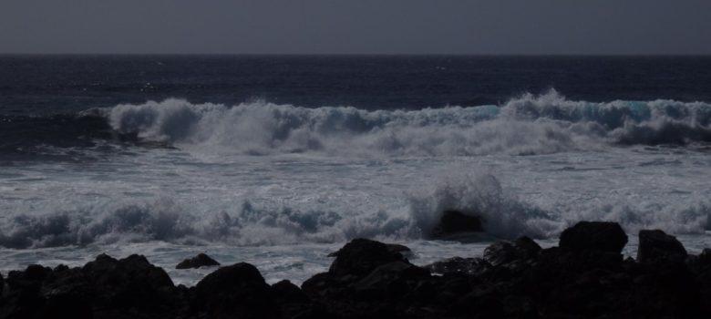 Starke Wellen am Strand